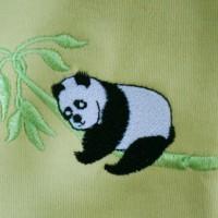 """Zoom broderie """"Panda de Chine"""""""